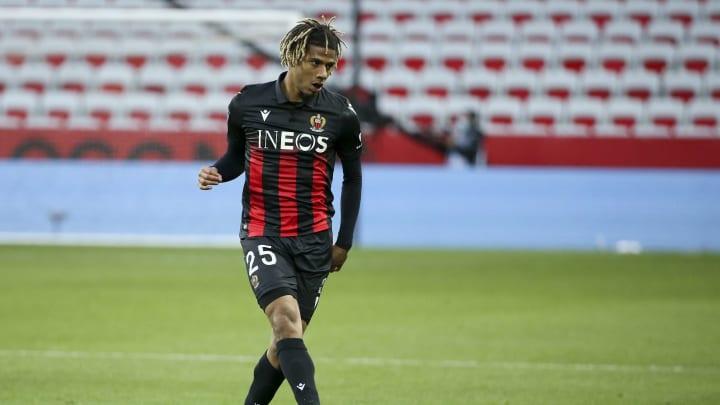 Jean-Clair Todibo hat in Nizza den Spaß am Fußball wieder gefunden.