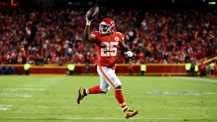 KANSAS CITY, MISSOURI - DECEMBER 01: LeSean McCoy #25 of the Kansas City Chiefs celebrates as he scores a 3 yard touchdown against the Oakland Raiders during the third quarter in the game at Arrowhead Stadium on December 01, 2019 in Kansas City, Missouri. (Photo by Jamie Squire/Getty Images)