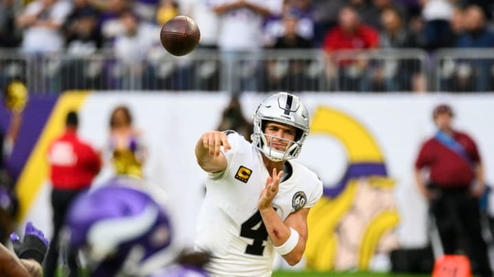 MINNEAPOLIS, MN - SEPTEMBER 22: Derek Carr #4 of the Oakland Raiders passes the ball in the fourth quarter of the game against the Minnesota Vikings at U.S. Bank Stadium on September 22, 2019 in Minneapolis, Minnesota. (Photo by Stephen Maturen/Getty Images)