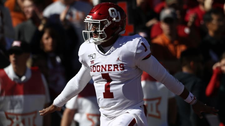 DALLAS, TEXAS - OCTOBER 12:  Jalen Hurts #1 of the Oklahoma Sooners celebrates a touchdown against the Texas Longhorns in the first quarter during the 2019 AT&T Red River Showdown at Cotton Bowl on October 12, 2019 in Dallas, Texas. (Photo by Ronald Martinez/Getty Images)