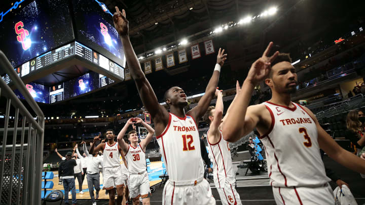 Trojans go wild as USC basketball advances to Elite Eight