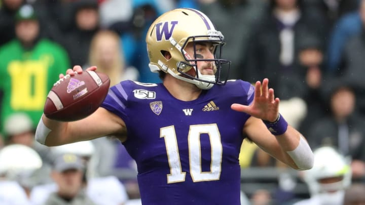 SEATTLE, WASHINGTON - OCTOBER 19: Jacob Eason #10 of the Washington Huskies looks to throw the ball against the Oregon Ducks in the first quarter during their game at Husky Stadium on October 19, 2019 in Seattle, Washington. (Photo by Abbie Parr/Getty Images)
