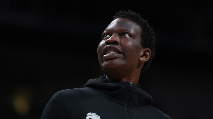 SAN JOSE, CALIFORNIA - MARCH 22:  Bol Bol #1 of the Oregon Ducks on the bench in the first half during the first round of the 2019 NCAA Men's Basketball Tournament at SAP Center on March 22, 2019 in San Jose, California. (Photo by Yong Teck Lim/Getty Images)