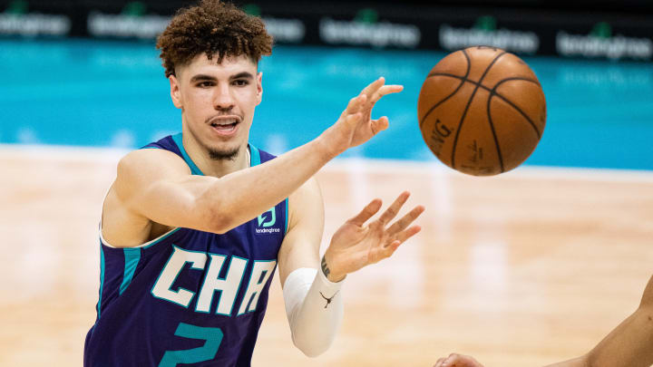 New Orleans Pelicans vs Charlotte Hornets prediction, odds, over, under, spread, prop bets for NBA betting lines tonight, Sunday, May 9.