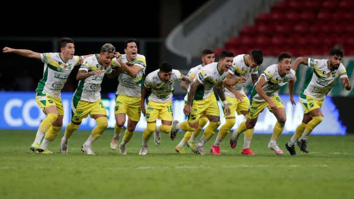 Palmeiras Defensa y Justicia Recopa CRB Copa do Brasil