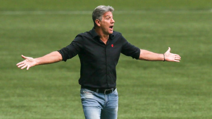 Com muitas reservas, o Flamengo de Renato Gaúcho apenas empatou com o América-MG. Torcida não gostou da atuação da equipe.
