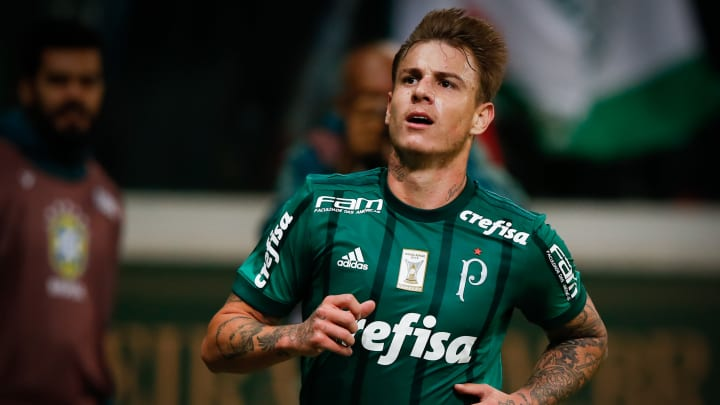 Com Róger Guedes, Keno e outros nomes: lembre de jogadores que defenderam o Atlético e o Palmeiras.