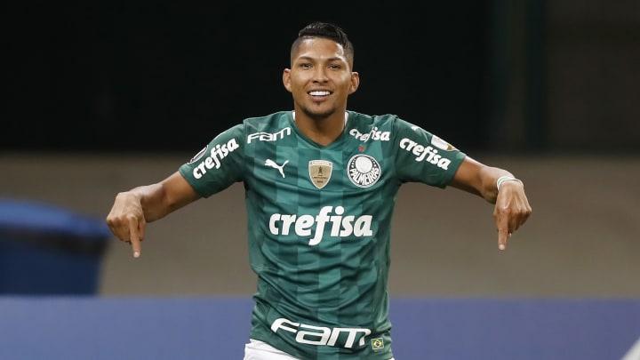 Rony marcou dois dos cinco gols do Palmeiras na partida, mas coube a Patrick de Paula garantir o tento número 12 mil na história do Alviverde.