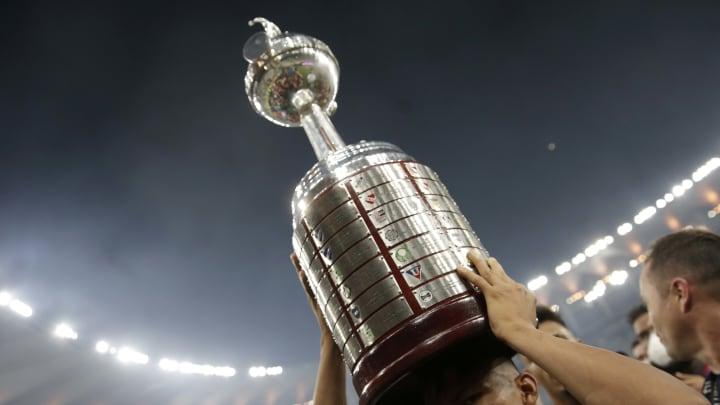 Libertadores terá primeiro brasileiro em campo no dia 20 de abril