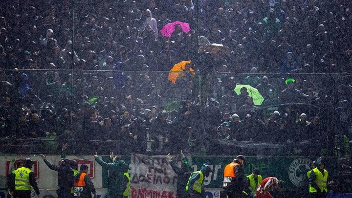 Les supporters des deux clubs d'Athènes ne veulent rater ce match pour rien au monde.