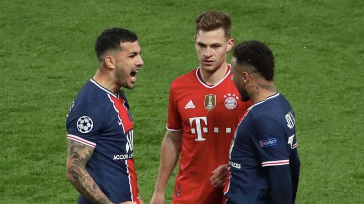 Neymar jubelt direkt vor Kimmichs Nase