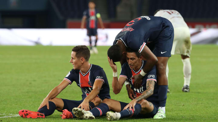 Paris Saint-Germain v FC Metz - Ligue 1