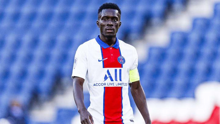 Idrissa Gueye pourrait s'être blessé en célébrant la qualification en finale de la Coupe de France avec ses coéquipiers.