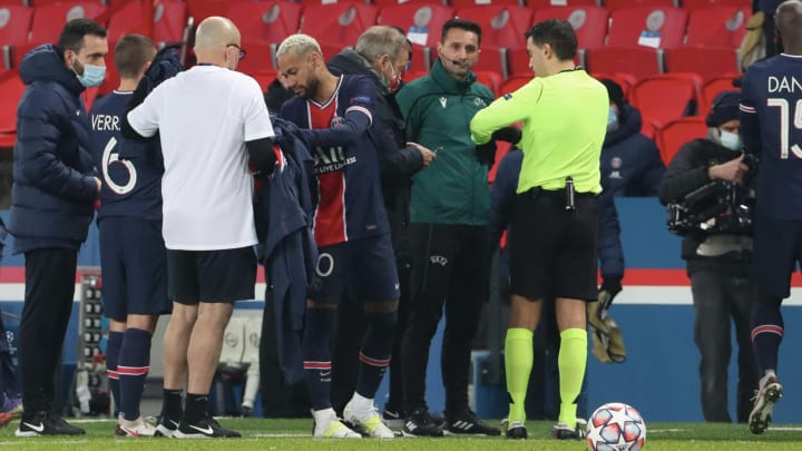 UEFA Launch Investigation After Fourth Official Accused of Racism in Istanbul  Basaksehir - PSG Game