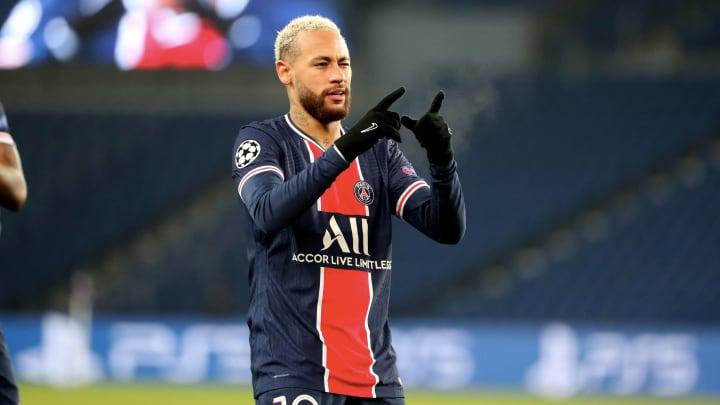 Neymar está em vias de bater marca de 500 gols em jogos oficiais