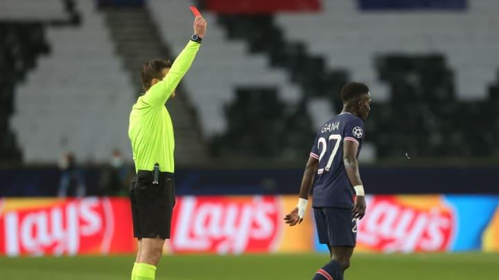 Idrissa Gueye, Felix Brych