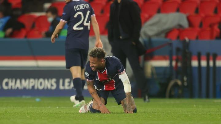 Neymar se hizo daño en el codo