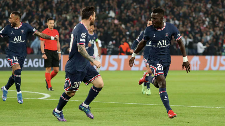 PSG celebrate after Gueye's opener