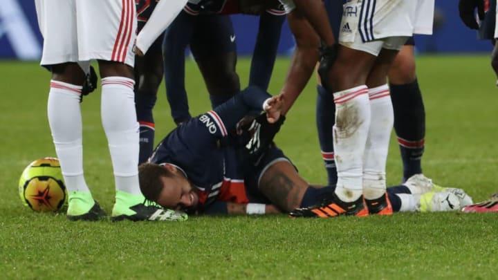 Paris Saint-Germain v Olympique de Lyon - Ligue 1