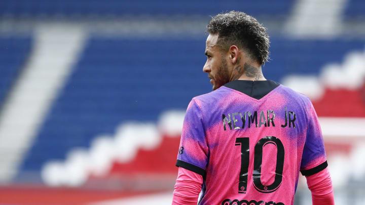Neymar, Luis Suárez, Sergio Ramos e mais: confira oito grandes jogadores que possuem 'homônimos' no futebol.