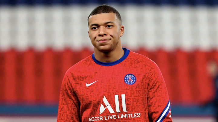 Kylian Mbappe could sign a new PSG contract