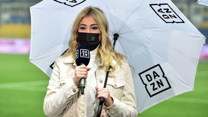Sky und DAZN teilen sich die Spiele des BVB - Diletta Leotta bekommt in Italien also kein Bayern-Interview