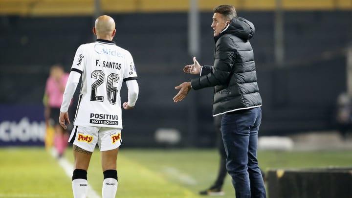 Demitido do Corinthians, treinador encontrou boa formação, mas deixou de utilizá-la em confrontos importantes.