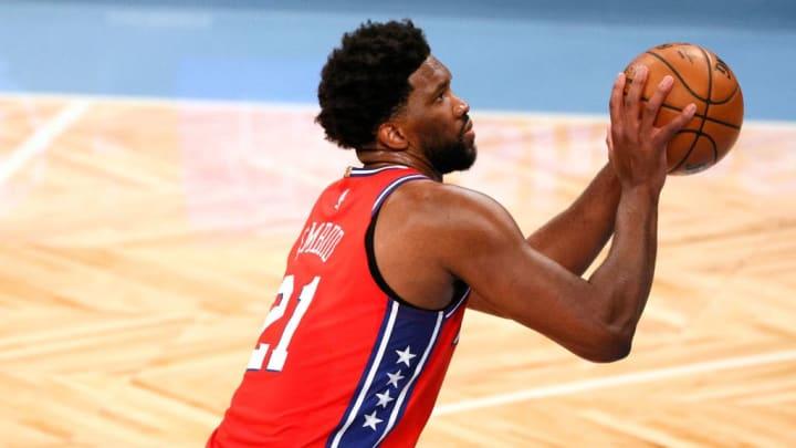 Embiid lidera a los 76ers en su notable arranque de temporada