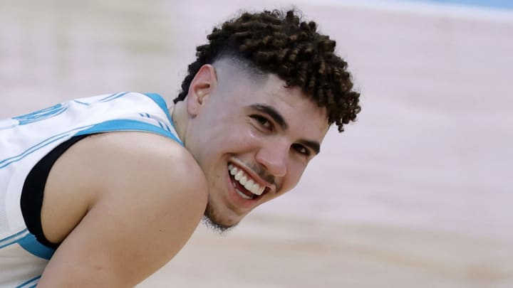LaMelo Ball smiling.