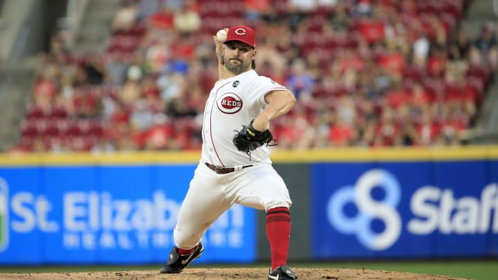 CINCINNATI, OHIO - JULY 30: Tanner Roark #35 of the Cincinnati Reds throws a pitch against the Pittsburgh Pirates at Great American Ball Park on July 30, 2019 in Cincinnati, Ohio. (Photo by Andy Lyons/Getty Images)