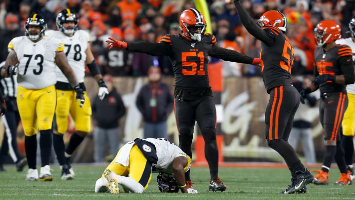 CLEVELAND, OH - NOVEMBER 14:  Joe Schobert #53 of the Cleveland Browns and Mack Wilson #51 celebrate after breaking up a pass intended for JuJu Smith-Schuster #19 of the Pittsburgh Steelers at FirstEnergy Stadium on November 14, 2019 in Cleveland, Ohio. Smith-Schuster left the game with a concussion. (Photo by Kirk Irwin/Getty Images)