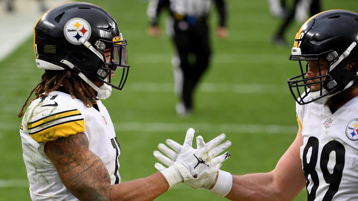 Steelers celebrating.