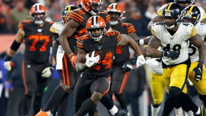 CLEVELAND, OH - NOVEMBER 14:  Nick Chubb #24 of the Cleveland Browns runs with the ball during the game against the Pittsburgh Steelers at FirstEnergy Stadium on November 14, 2019 in Cleveland, Ohio. (Photo by Kirk Irwin/Getty Images)