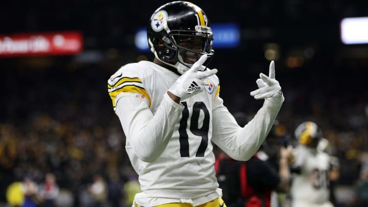 NEW ORLEANS, LOUISIANA - DECEMBER 23: JuJu Smith-Schuster #19 of the Pittsburgh Steelers reacts during the first half against the New Orleans Saints at the Mercedes-Benz Superdome on December 23, 2018 in New Orleans, Louisiana. (Photo by Chris Graythen/Getty Images)