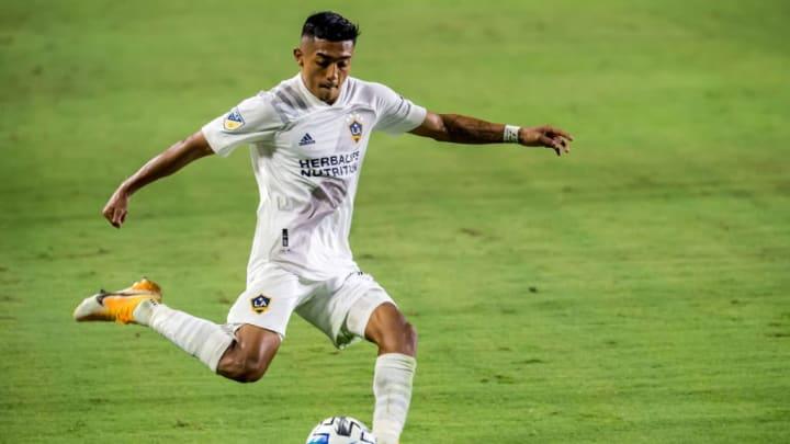 Julian Araujo es una joven promesa del fútbol estadounidense
