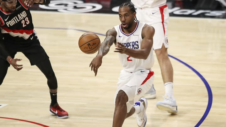Phoenix Suns vs Los Angeles Clippers prediction and ATS pick for NBA game tonight.