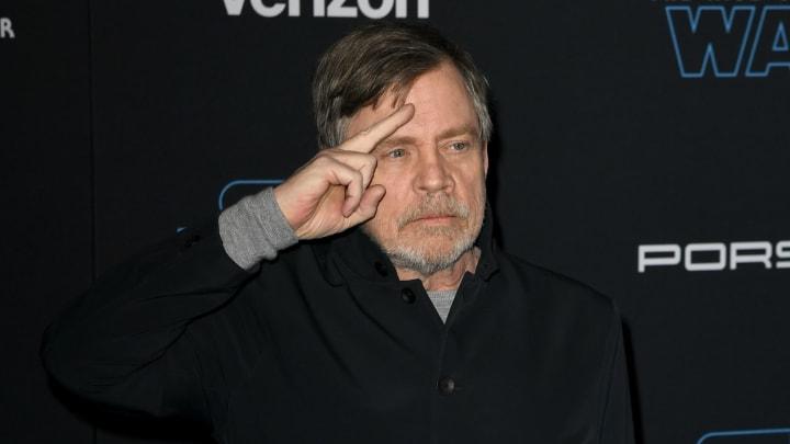 Mark Hamill pays tribute to his final appearance as Luke Skywalker in 'Star Wars' on Twitter.