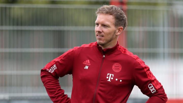 Julian Nagelsmann hat sich nach dem ersten Training Zeit genommen und Fragen der Fans live auf dem Bayern-Instagram-Account beantwortet.