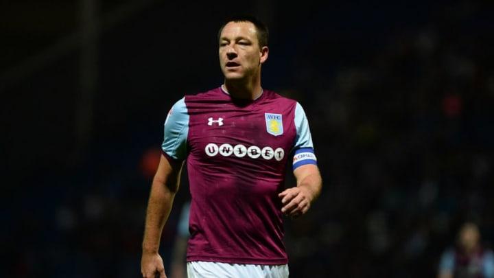 Terry jugando para el Aston Villa