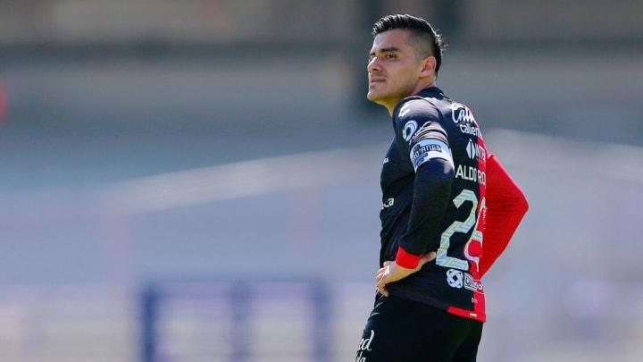 Aldo Rocha se lamenta al no poder encontrar el gol ante Pumas.