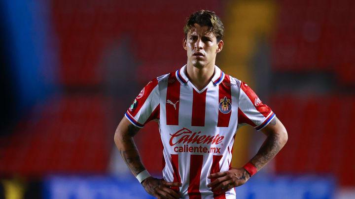 Cristian Calderón podría salir de Chivas