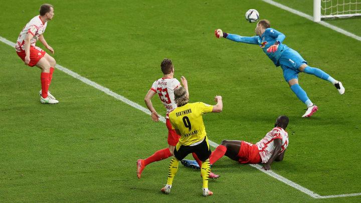 Erling Haaland a réalisé une action de grande classe contre Leipzig pour marquer son premier but.