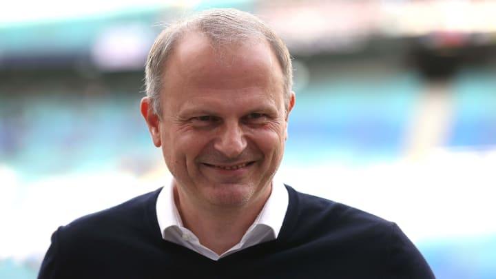 Schalke-Sportvorstand Jochen Schneider lässt offen, ob Clemens Tönnies den Verein erneut finanziell unterstützen wird
