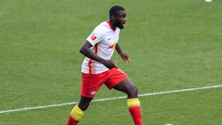 Dayot Upamecano wollte schon vor sechs Jahren zu den Bayern. Der Wechsel scheiterte jedoch an dem Veto seiner Mutter.