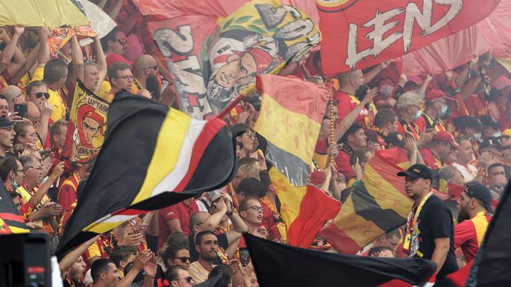 VIDÉO : l'ambiance de feu à Bollaert avant le derby du Nord face à Lille