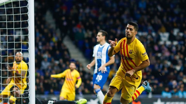 Suárez celebrating his goal in the Derbi Barceloní against RCD Espanyol.
