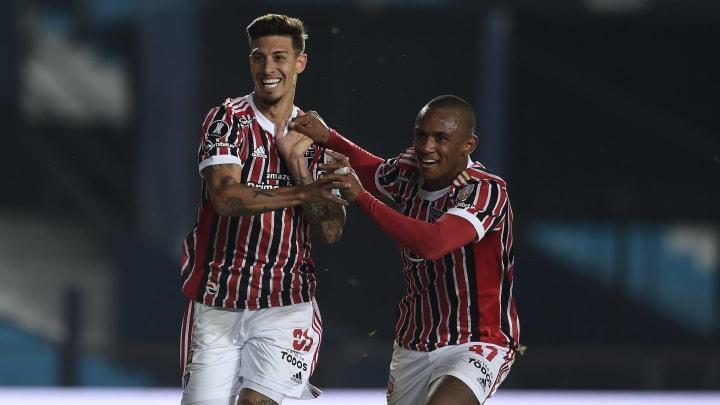 São Paulo venceu o Racing por 3 a 1, no El Cilindro
