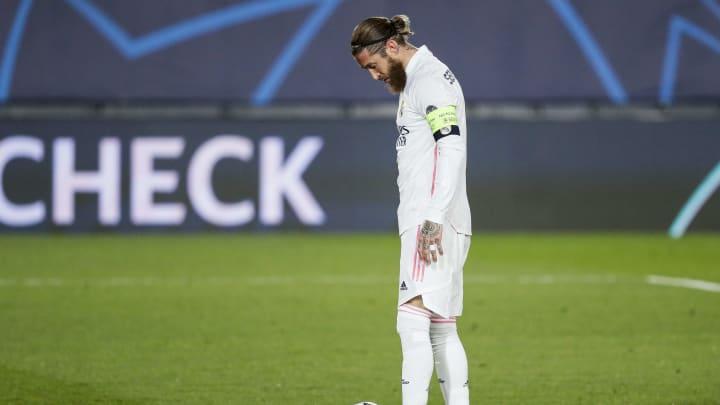 Sergio Ramos não concordou com os termos do novo acordo e está praticamente fora do Real Madrid. O zagueiro pode sair de graça na próxima janela.