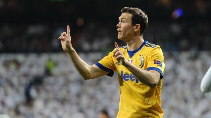 Lichtsteiner con la maglia della Juventus