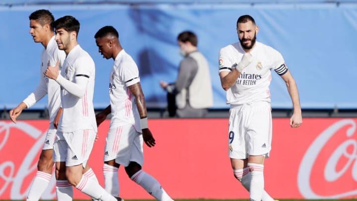 Le Real et Benzema imposent leur rythme au Barça et courent après l'Atletico